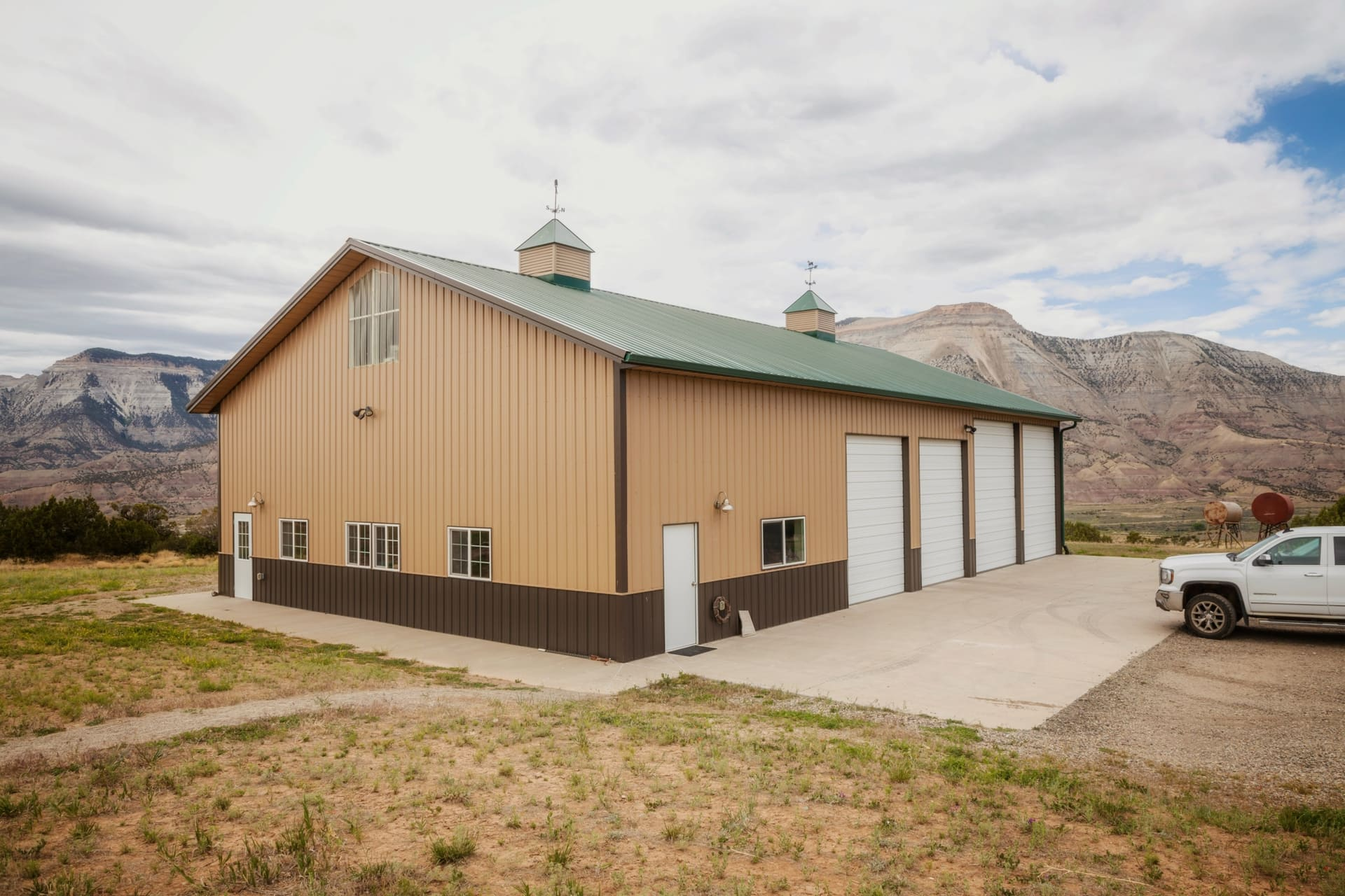 garage exterior colorado 4k quarter circle ranch