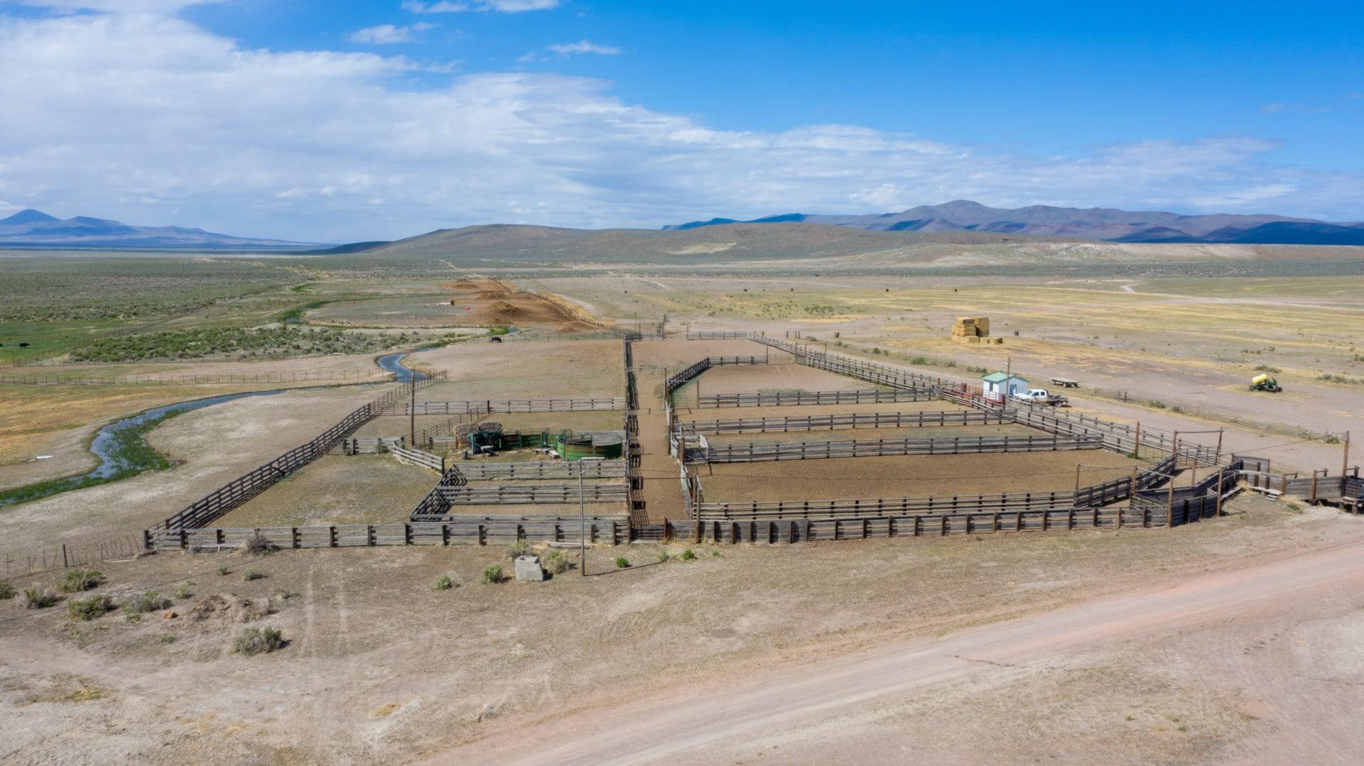 corrals oregon lucky 7 ranch