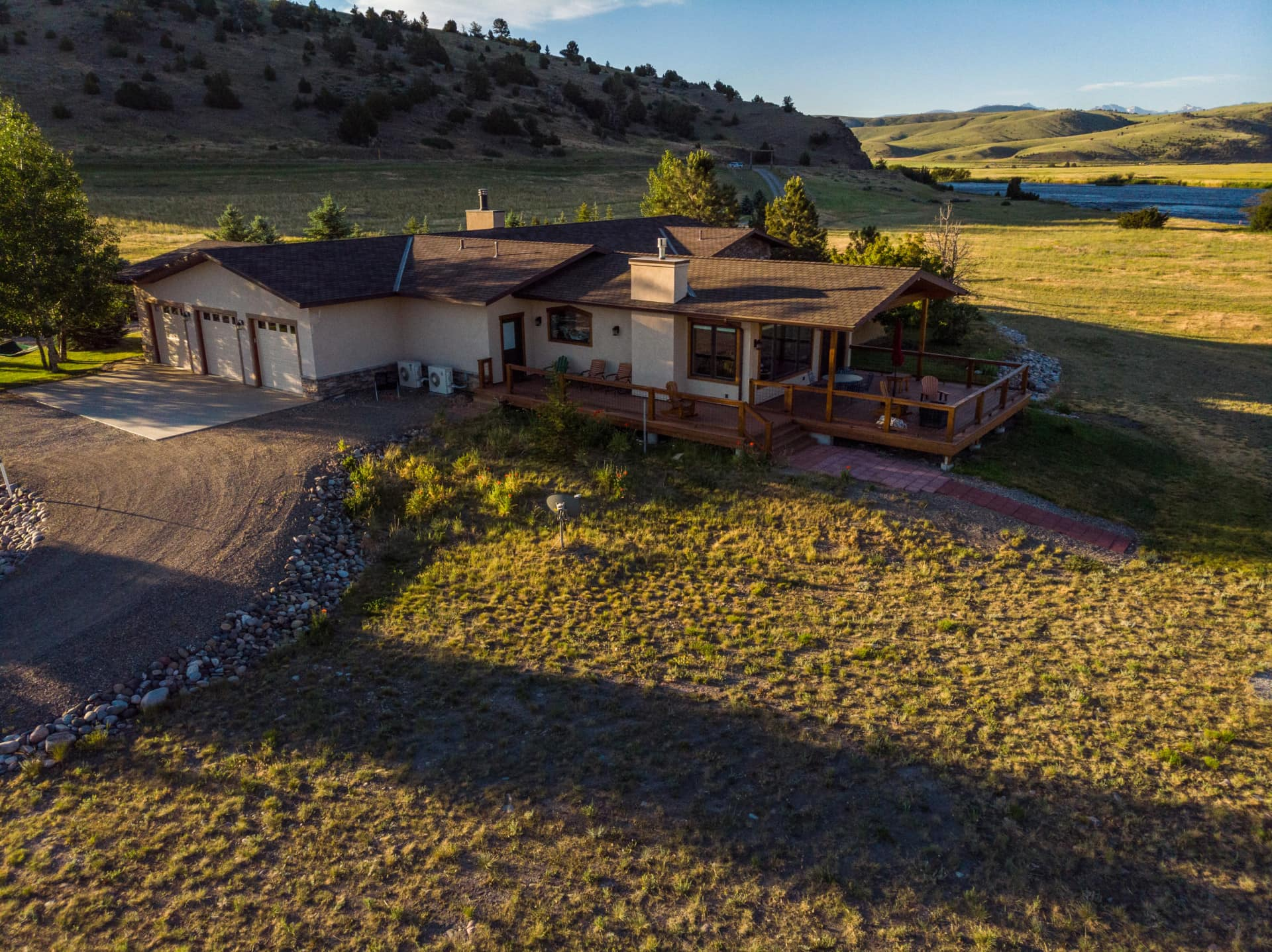 three bed montana bison view river ranch